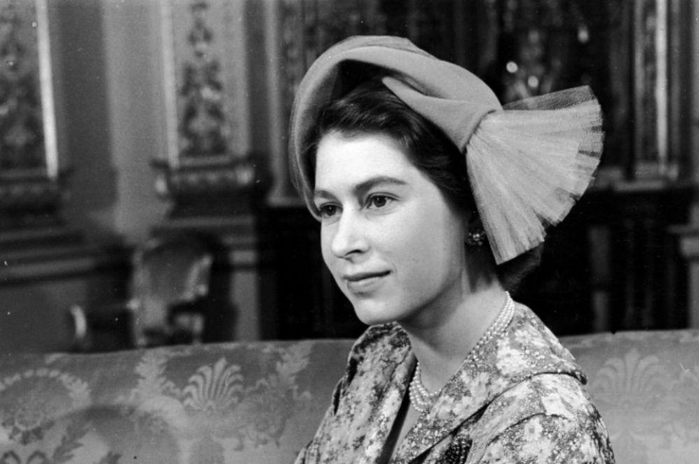 Принцесса Елизавета (позже Королева II) после крестин своей дочери Анны, 1950 год