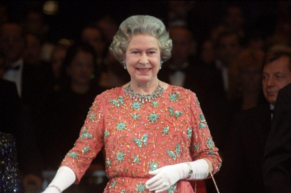 "Королева Елизавета II на шоу ""British Tattoo"" в Берлине, 20 октября 1991 года"