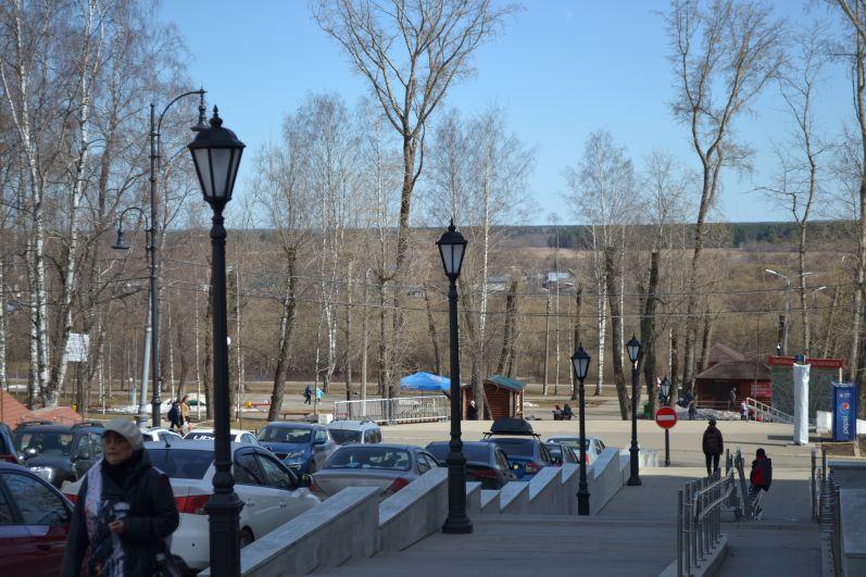 И хотя в Сыктывкаре сегодня +17, в заполярной Воркуте до сих пор лежит снег.