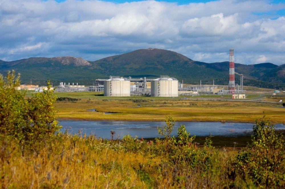Крупнейший в России завод по сжижению природного газа в пос. Пригородное