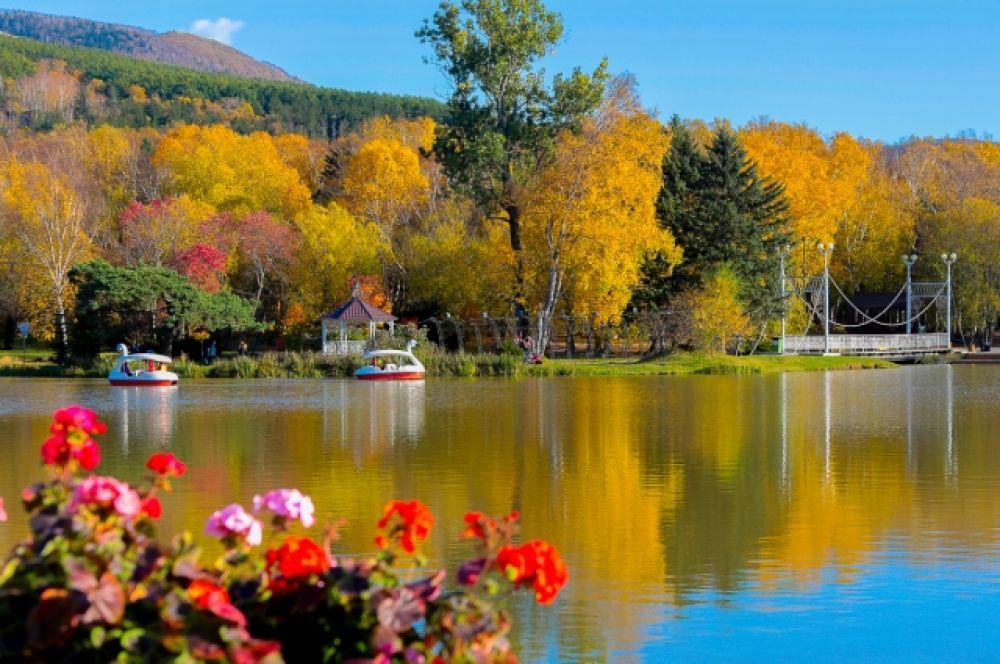 Озеро Верхнее в городском парке