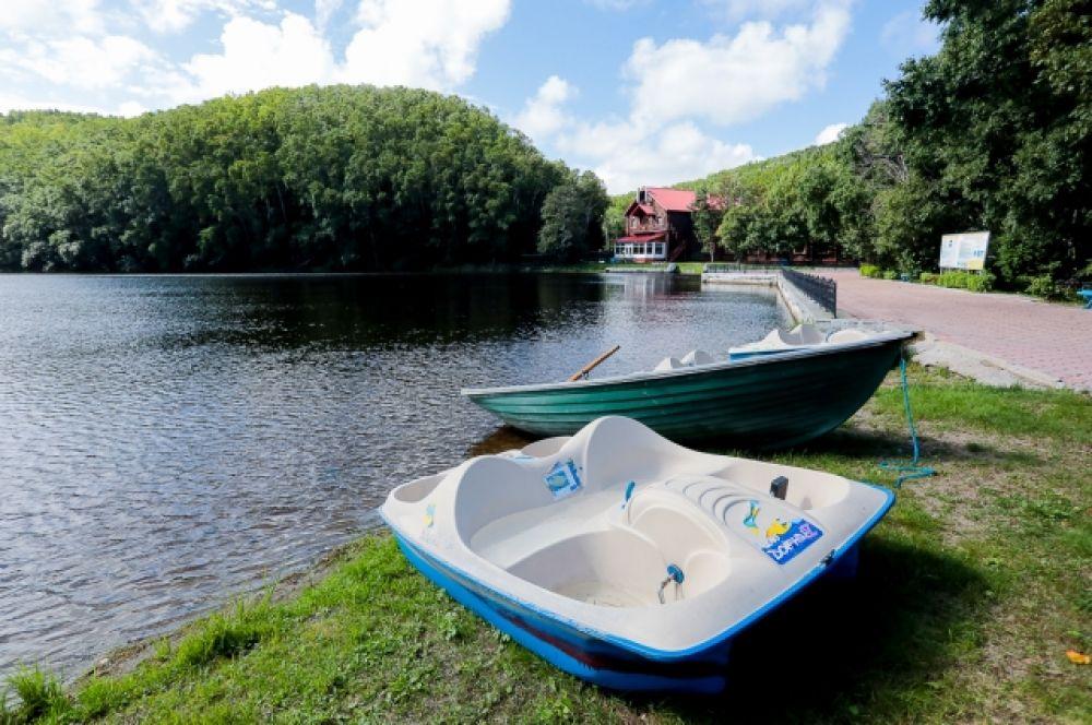 Прокат лодок и катамаранов на озере Верхнее