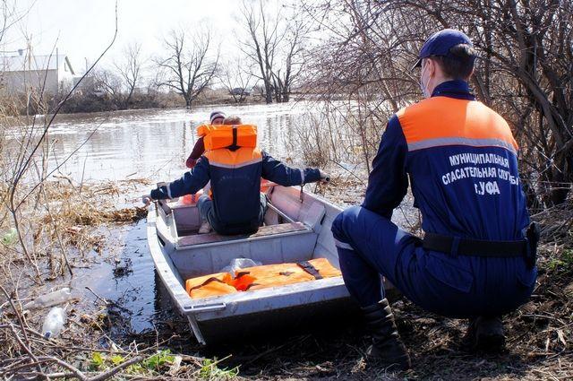 Из-за паводка в Уфе остаются под водой почти 11 км дорог