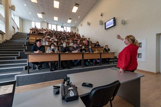 Константин Егоров считает, что готовить будущих педагогов работать абсолютно в новых условиях.