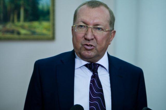 В Ленинском райсуде Оренбурга продолжается процесс по делу экс-министра образования области Вячеслава Лабузова.