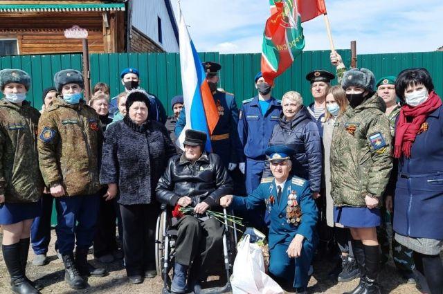 Команда автопробега «Поздравь ветерана с Победой!» в этом году отправилась на юг края.