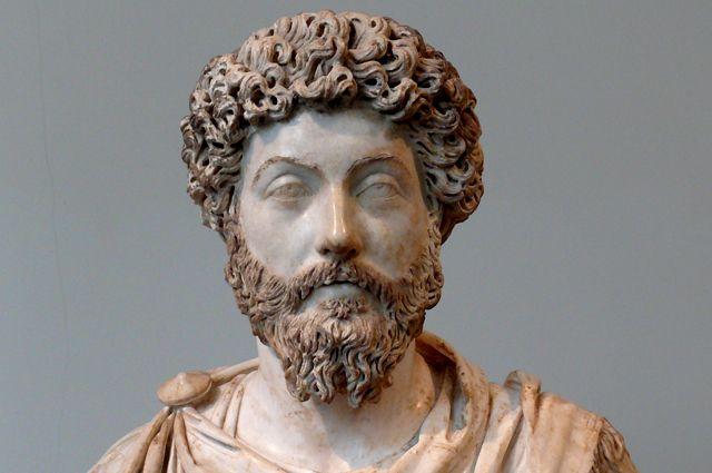 Император Марк Аврелий. Бюст из музея Метрополитен, Нью-Йорк.