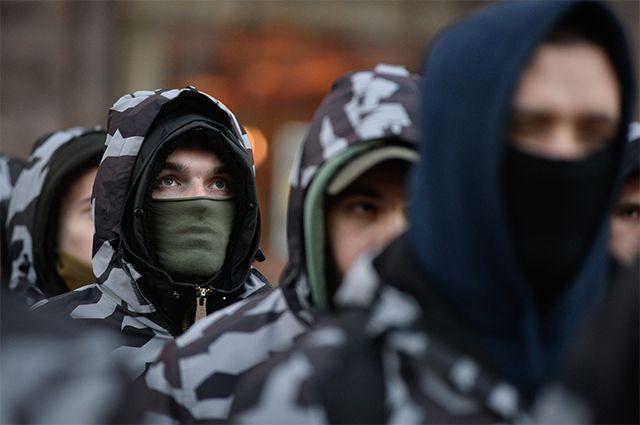 Участники марша «Национальных дружин» в Киеве.