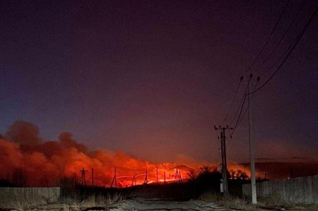 Около 4 утра пожар ликвидировали.