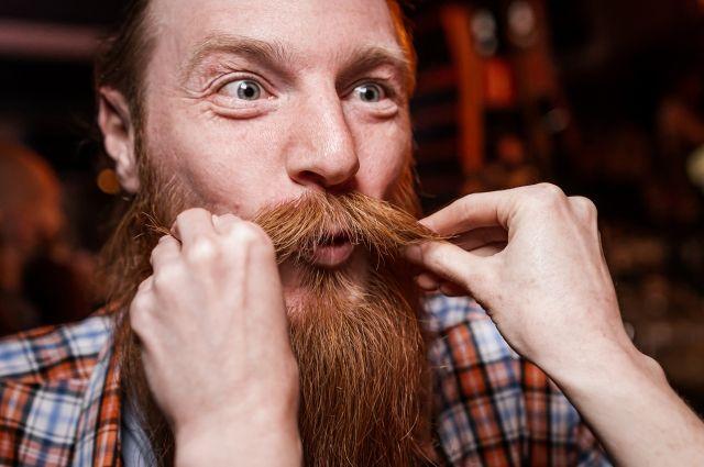 Мимо участников Фестиваля просто так не пройти, хочется пощупать, погладить их бороду.