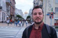 Балша любит гулять в одиночестве по Ростову и знакомиться с горожанами