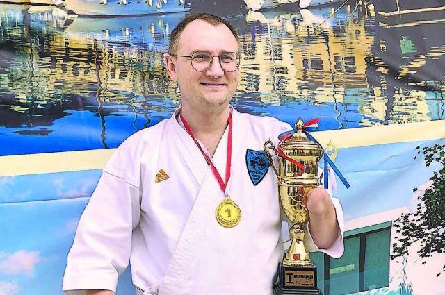 Сергей Бурлаков - чемпион мира среди паракаратистов.