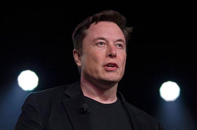 Человечество должно построить постоянную базу на Луне, - Маск
