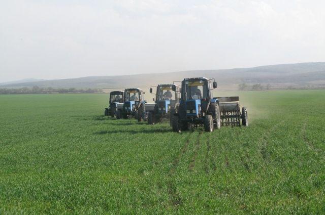 Для весенних полевых работ в республике подготовлены 580 тракторов.