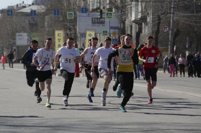 В забеге участвовали более 1500 человек.