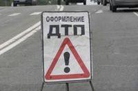 В Оренбурге водителя после ДТП зажало в автомобиле.