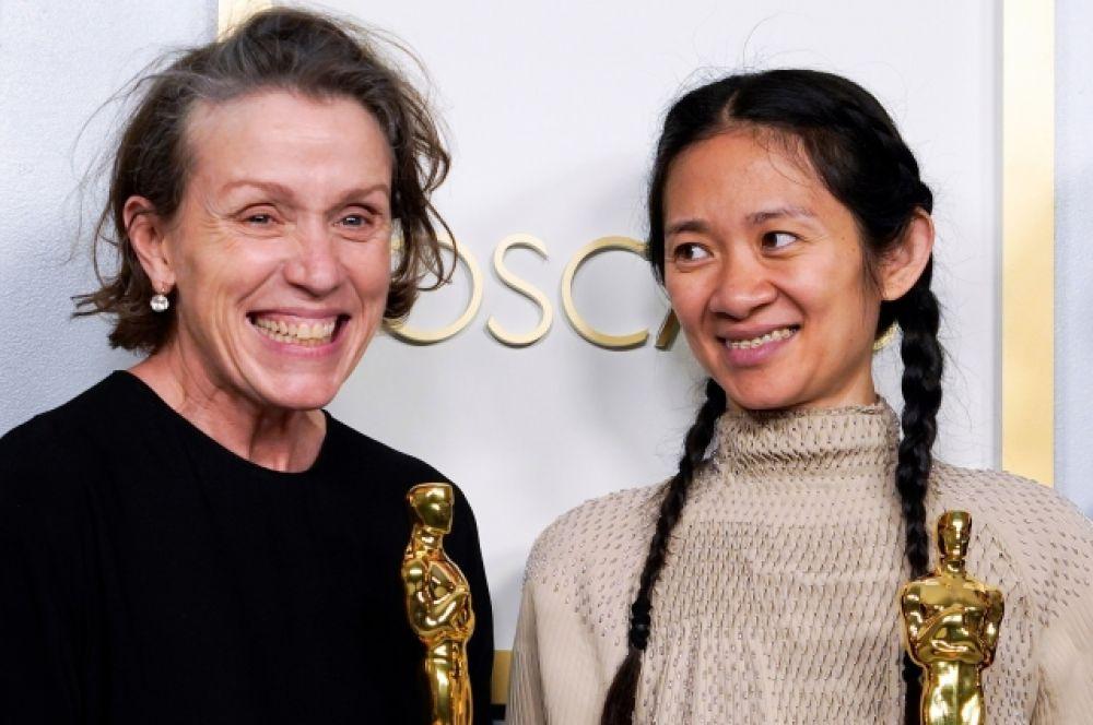 Главная героиня кочевников Фрэнсис МакДорманд признана лучше актрисой 2020 года. Это уже третья золотая статуэтка в её активе.
