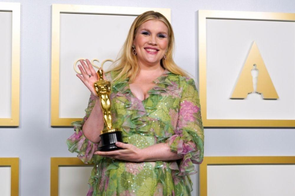 Эмиральд Феннел достался «Оскар» за лучший сценарий. Фильм «Девушка, подающая надежды» (Promising Young Woman).