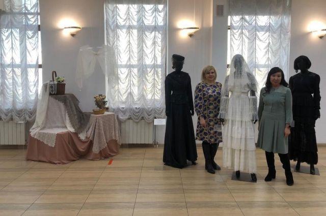 Оренбургский пуховый платок - экспонат выставки в Якутии.