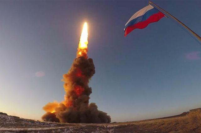Испытательный пуск новой ракеты российской системы противоракетной обороны на полигоне Сары-Шаган в Казахстане.