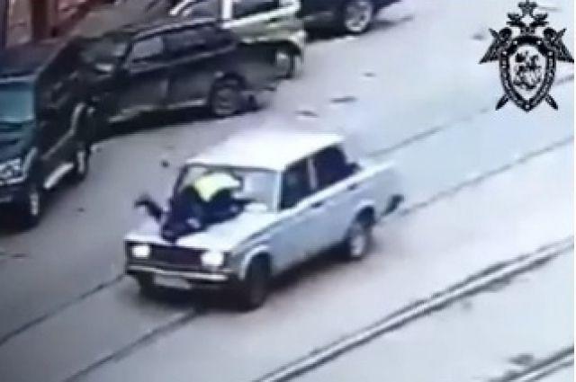 В центре Нижнего Новгорода подросток на «Жигулях» наехал на полицейского