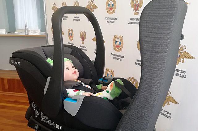 Роскачество: 20% автомобилистов используют альтернативу детскому креслу