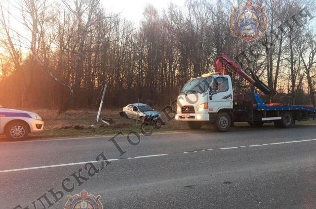 В Новомосковском районе мужчина сбил дорожный знак и съехал в кювет