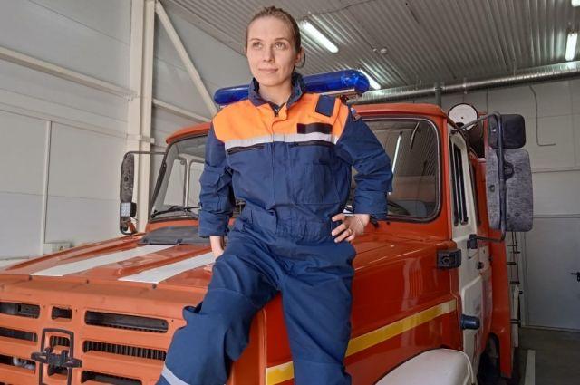 Огонь-девица. Елена Димитриу - первая женщина-водитель пожарной машины