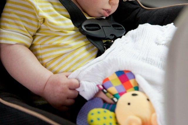 Центр изучения потребительского поведения Роскачества выяснил, как часто российские автомобилисты пользуются детскими креслами и полагаются на небезопасные удерживающие устройства для детей.