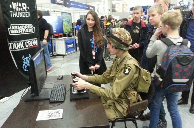 Геймеры испытали контроллер в виртуальных сражениях