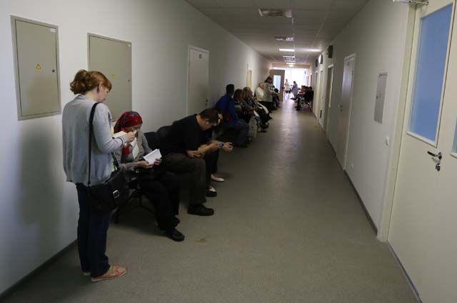 Поликлиники будут работать по графику субботы.