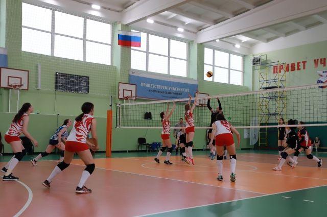 При поддержке Металлоинвеста прошёл турнир по волейболу памяти В.Г. Некрасова.