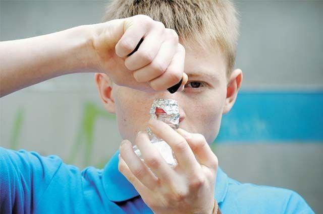 Всему виной практика вдыхания токсичного газа, к которой зачастую прибегают подростки.