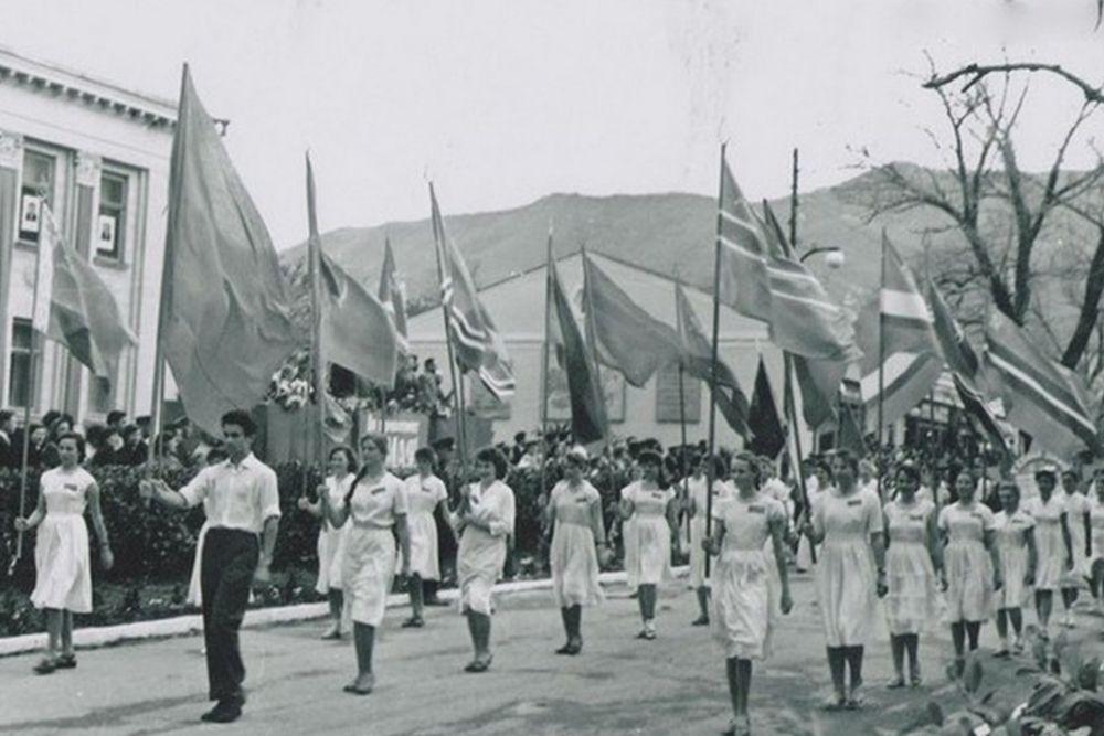 Геленджик, 1962 год, майская демонстрация.