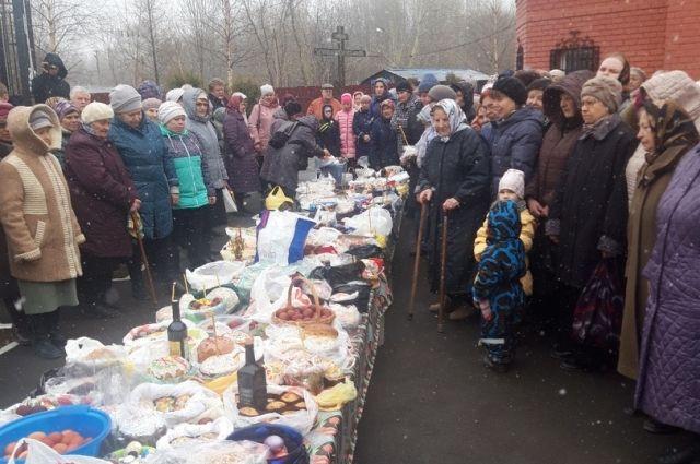 В Сыктывкарской епархии рассказали, как верующим освятить пасхальную трапезу.