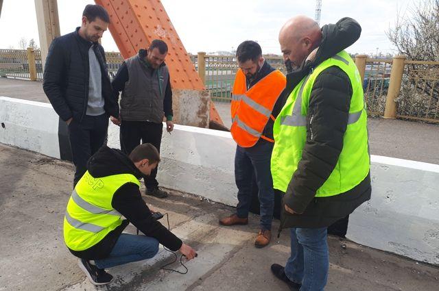 На днях планируют открыть движение по готовой полосе моста на Киевской