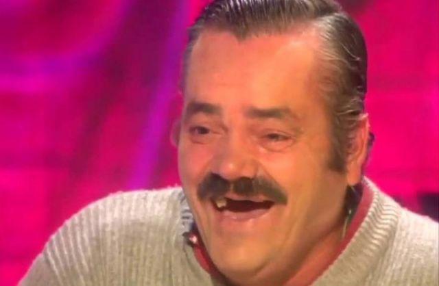 Самый заразительный: герой мемов про хохочущего испанца умер в приюте