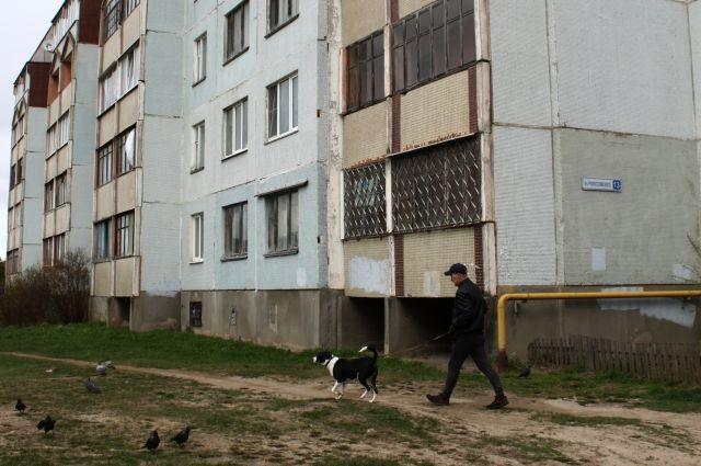 Жильцы дома № 13 по улице Рокоссовского в Пскове долгое время и не подозревали, что переплатили «за свет» аж на миллион рублей