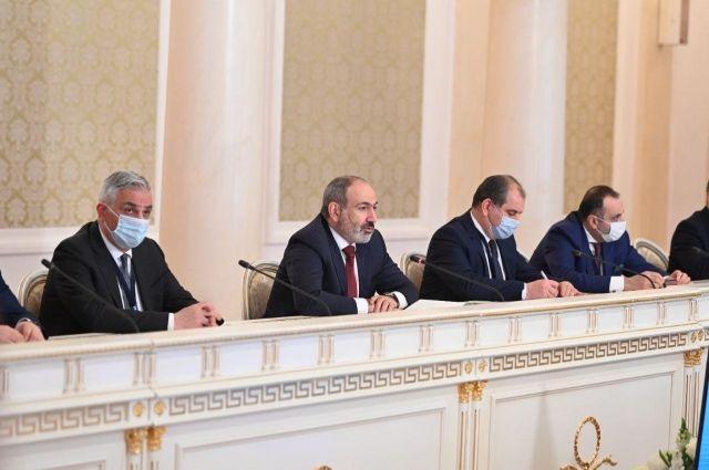 Исполняющий обязанности премьер-министра Армении участвует в заседании Евразийского межправительственного совета в Казанской ратуше.