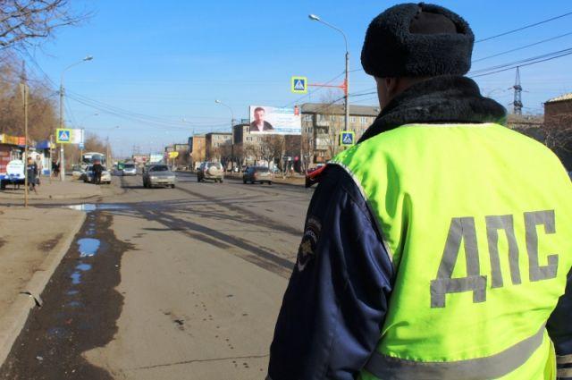 Запрещенный маневр попал в поле зрения сотрудников ДПС, которые ехали на патрульном автомобиле.