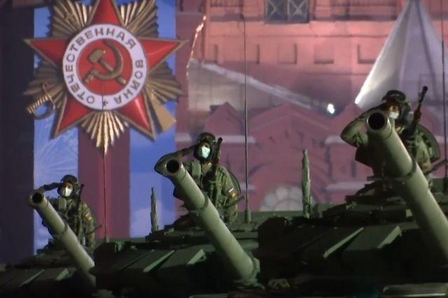На Красной площади состоялась первая ночная репетиция парада Победы
