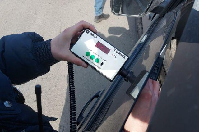 В отношении водителей, которые не привели автомобиль в надлежащий вид, либо нанесли тонировку повторно, в суд направлено 12 материалов.