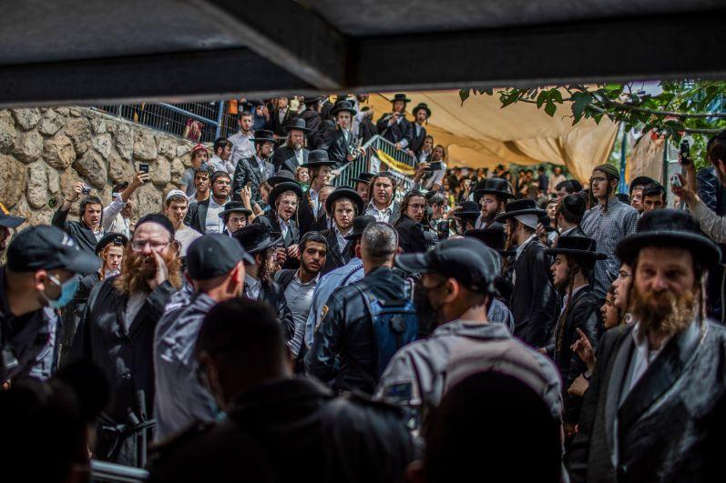 Полиция оцепила место происшествия, где отмечался еврейский религиозный праздник Лаг ба-Омер на горе Мерон