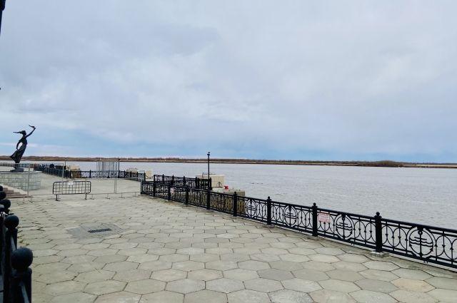 В минувшие выходные от ледяных оков освободилась река Иртыш