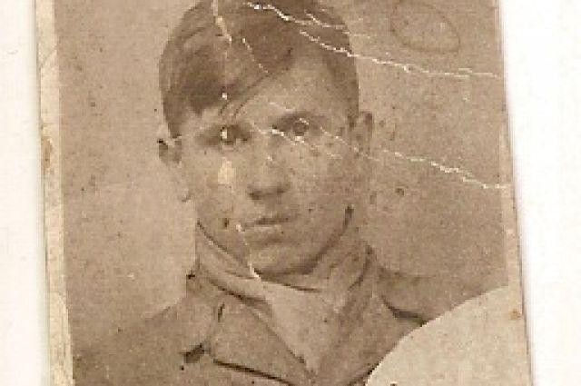 Георгий сложил голову, защищая Ленинград в составе «Московской» дивизии народного ополчения.