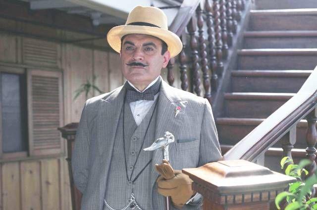 Дэвид Суше в роли Эркюля Пуаро.