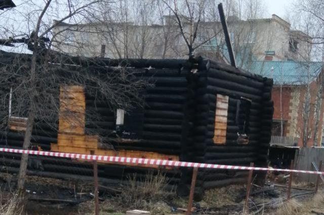 На пожаре погибли 2 детей.
