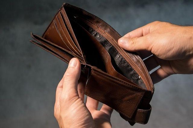 Согласно статистике, в 2020 году за гранью бедности в Оренбуржье проживало 14% населения.
