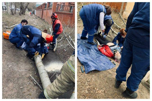 Пострадавшую пришлось извлекать спасателям.