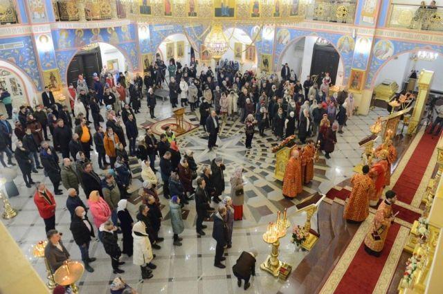 Пасхальное богослужение в Рождественском кафедральной соборе.
